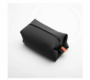 The Koby Full Size Silicone Dopp Kit in Charcoal