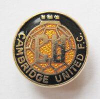 CAMBRIDGE UNITED - Superb Enamel Football Badge