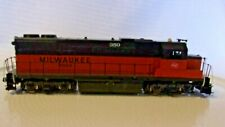 HO Scale Atlas Diesel Locomotive Milwaukee Road #350, Orange