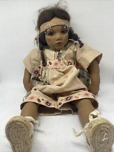 Annette Himstedt Puppe Cheyennemädchen Takumi aus Vinyl