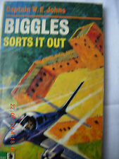 Biggles Sorts it Out - Capt W E Johns paperback, lacking title page and fep
