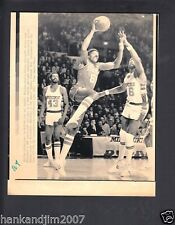 Julius Erving 1981 76ers Small Vintage A/P Laser Wire Photo with caption