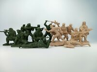 Russian soldiers and US marines Plastic set 16 figures Toy Soldiers