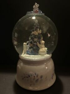 "Pfaltzgraff ""Winter Frost"" Mother Polar Bear and Baby Musical Snow Globe"
