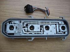 RENAULT CLIO MK2 DE 2001 A 2006 GRIS SOPORTE FOCO TRASERO CON ENCHUFE CONECTOR