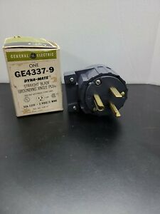 Grounding Angle Plug GE4337-9 GE Dyna-Mate Straight Blade 30a-125V 2 pole 3 wire