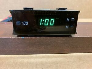 97-01 LEXUS ES300  DASH  DIGITAL CLOCK