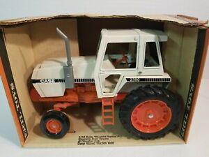 CASE 2390 1/16 Tractor NIB Silver Exhaust ERTL
