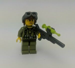 LEGO minifigure - Hero - Helicopter Pilot  5887 5888 5883 5886 with gun