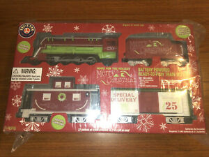 Lionel Home For The Holiday Christmas Ready-to-Play Train Set #7-11915