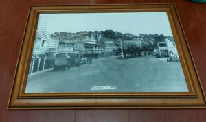 LARGE HISTORIC FRAMED PRINT OF FRANKSTON VICTORIA THE MAIN St & STORES c1938