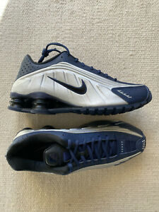 Men's Nike Shox R4 Athletic Shoes Navy Blue & silver Size 9 US 42.5 EU