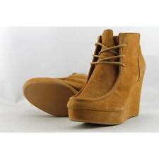 Zapatos de tacón de mujer Nine West color principal beige de ante