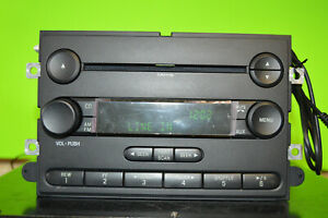 Ford Mustang factory disc CD mp3 player aux input cord radio 2007 7R3T-18C869-AF