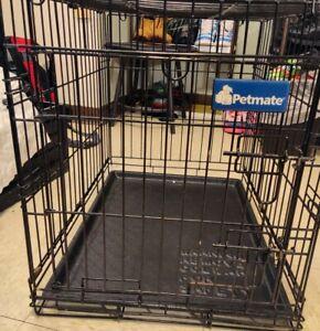 petmate 24' long 18' wide Double Locking Pet Crate w/ EZ change bottom Tray