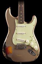 Fender Custom Shop 1960 Stratocaster Relic Shoreline Gold over 3-Color Sunburst