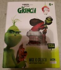 Illumination The Grinch Max & Grinch Salt & Pepper Shaker Set Nip