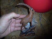 Sculpture animalière sur Bois  : Bouquetin Alpin Type Travail Fortêt Noire