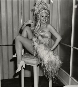 Jane Withers shows off her legs ~ ORIGINAL 1946 portrait ~ show-girl costume