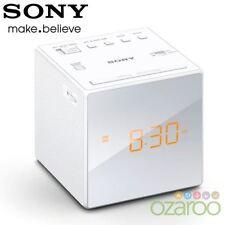 Radio réveil blancs pour la maison