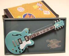 Gitarre miniatur Gallagher Oasis - Epiphone Supernova Guitar of the Stars 17 cms