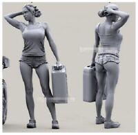 1/35 Resin Figure Model Kit Girl (NO CAR FIGURE) Unassambled Unpainted Mechanic