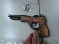 pistola in legno spara elastici,wooden gun shoots rubber bands