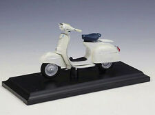 Maisto 1:18 Vespa 125GT 1966 Diecast Motorcycle Scooter Model New in Box