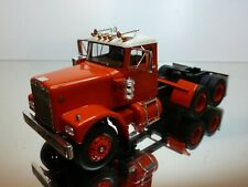 NEO SCALE MODELS TRUCK DIAMOND REO 1971 DVM 770 - RED 1:43 - VERY GOOD CONDITION