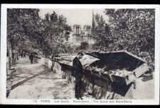 PARIS (NOTRE-DAME) LECTURE au STAND MARCHAND de LIVRES / BOUQUINISTE en 1936