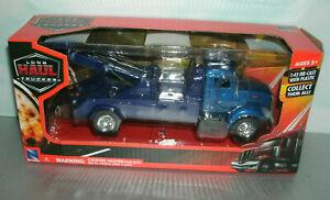 1/43 Scale Peterbilt 335 Heavy Wrecker Tow Truck Diecast Model - New Ray 15533