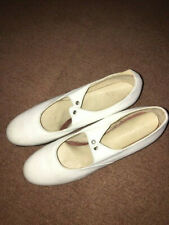 White tap shoes, size 6.5