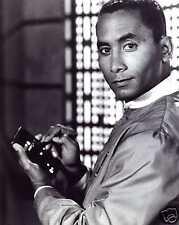 Babylon 5 8x10 Photo! Richard Biggs Dr. Franklin #2
