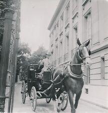 PARIS c. 1947 - Cocher  Fiacre  Cheval  - DIV 9630