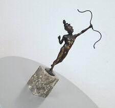 Schaffert Bronze Bogenschütze Statue Skulptur nakter Jüngling mit Helm um 1900