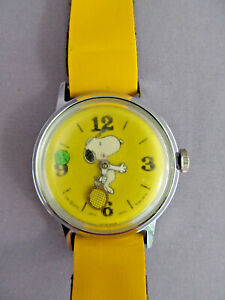 RARE Vintage SCHULZ Yellow Snoopy Mystery Tennis Ball Manual Watch 1958 WORKS