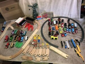 Thomas The Tank Engine Train Set Wooden Tracks Brio HUGE LOT 40+ Cars Plz READ