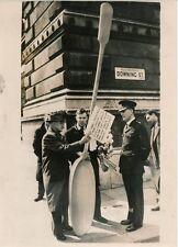 LONDRES 1956 - Manifestants Dîner avec le Diable Soviétique - PR 908