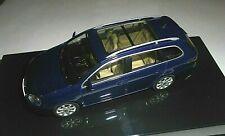 car 1/43 AUTOART 1K9099300D5Q VOLKSWAGEN GOLF V VARIANT 2007 MET BLUE NEW BOX