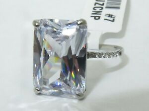 Ladies emerald ring cz clear 8 carat stainless steel accents engagement new 131