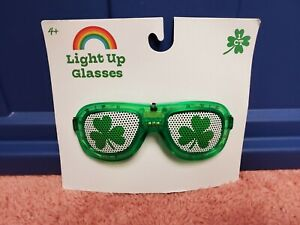 St Patty's Day Light Up Glasses St Patricks Day Light Up Glasses Shamrock NWT