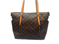 Authentic Louis Vuitton Monogram Totally MM shoulder Handbag