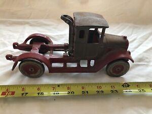 Vintage Aracde Cast Iron International Harvester Red Dump Truck