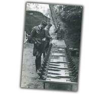 """WW2 Photo P.08 Luger pistols armorer for issuance to Luftwaffe """"4 x 6"""" inch ζ"""