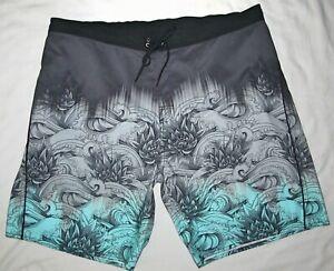 New Roundtree & Yorke Tropical Green BoardShorts Swim Shorts Mens Size 2XB 42