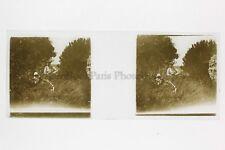 Bébé et Grand Père Photo Amateur Plaque de verre stereo ca 1920