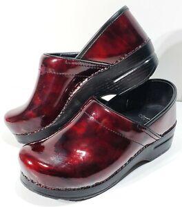 Dansko Women's 38 (US 7.5/8) Garnet Marble Patent Leather Clogs Italy