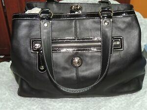 EUC Coach Leather Carryall Black with Patent trim Purse Handbag Tote