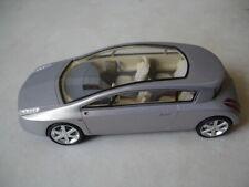 Voiture RENAULT VELSATIS Concept Car SPARK 1/43