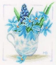 LANARTE  0164069  Fleurs bleues  Kit  Point de Croix  Compté  étamine